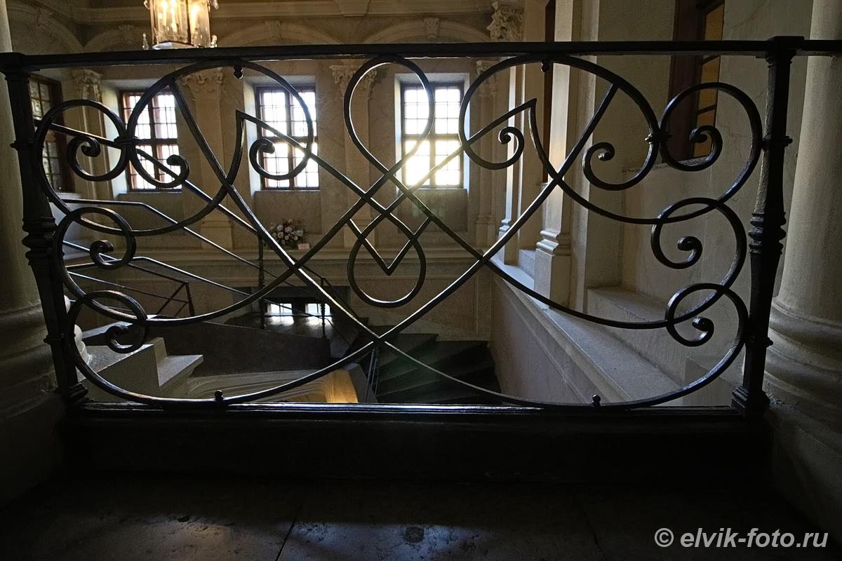 menshikov palace 37