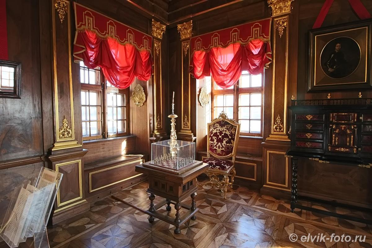 menshikov palace 49