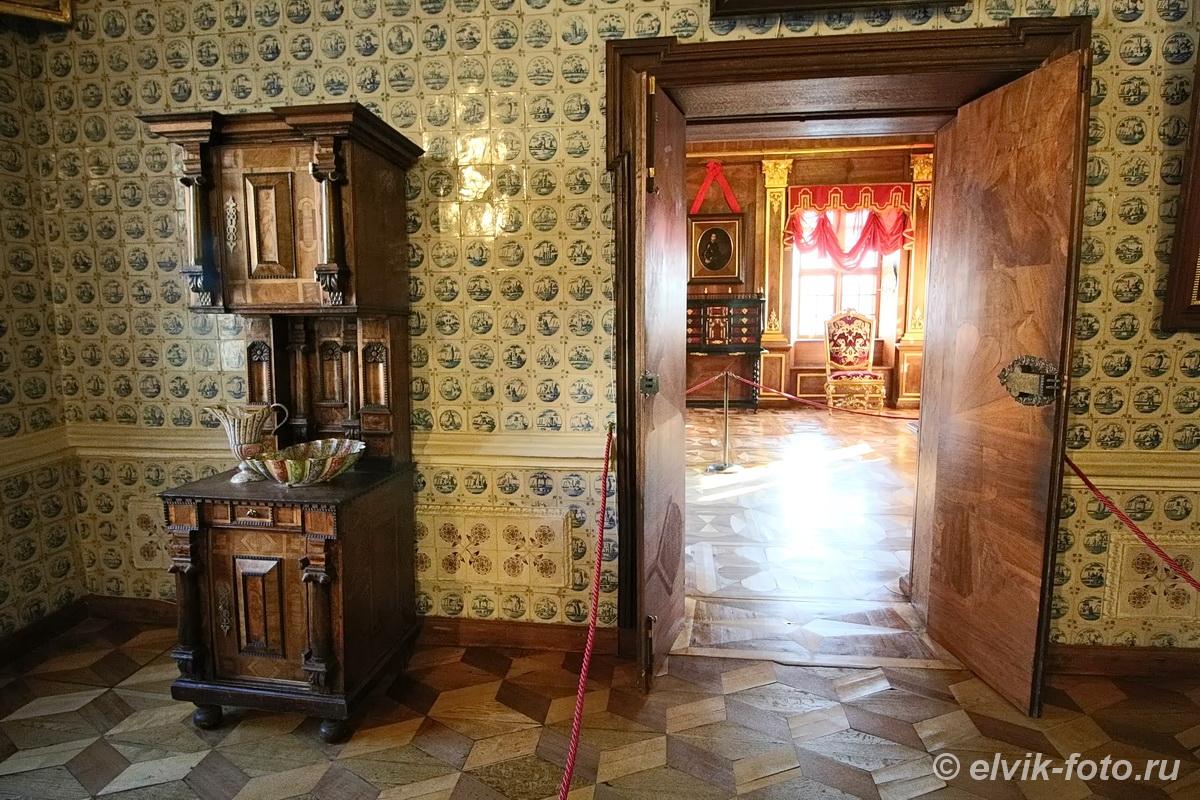 menshikov palace 50