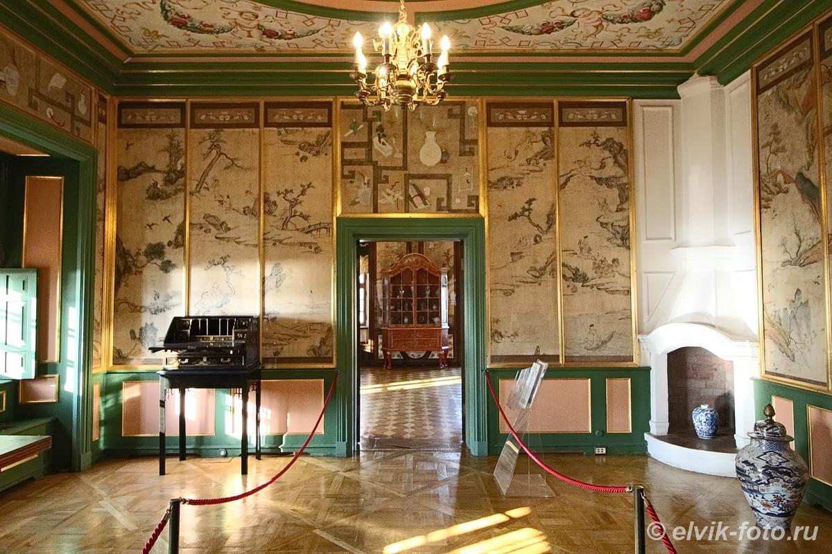 menshikov palace 73