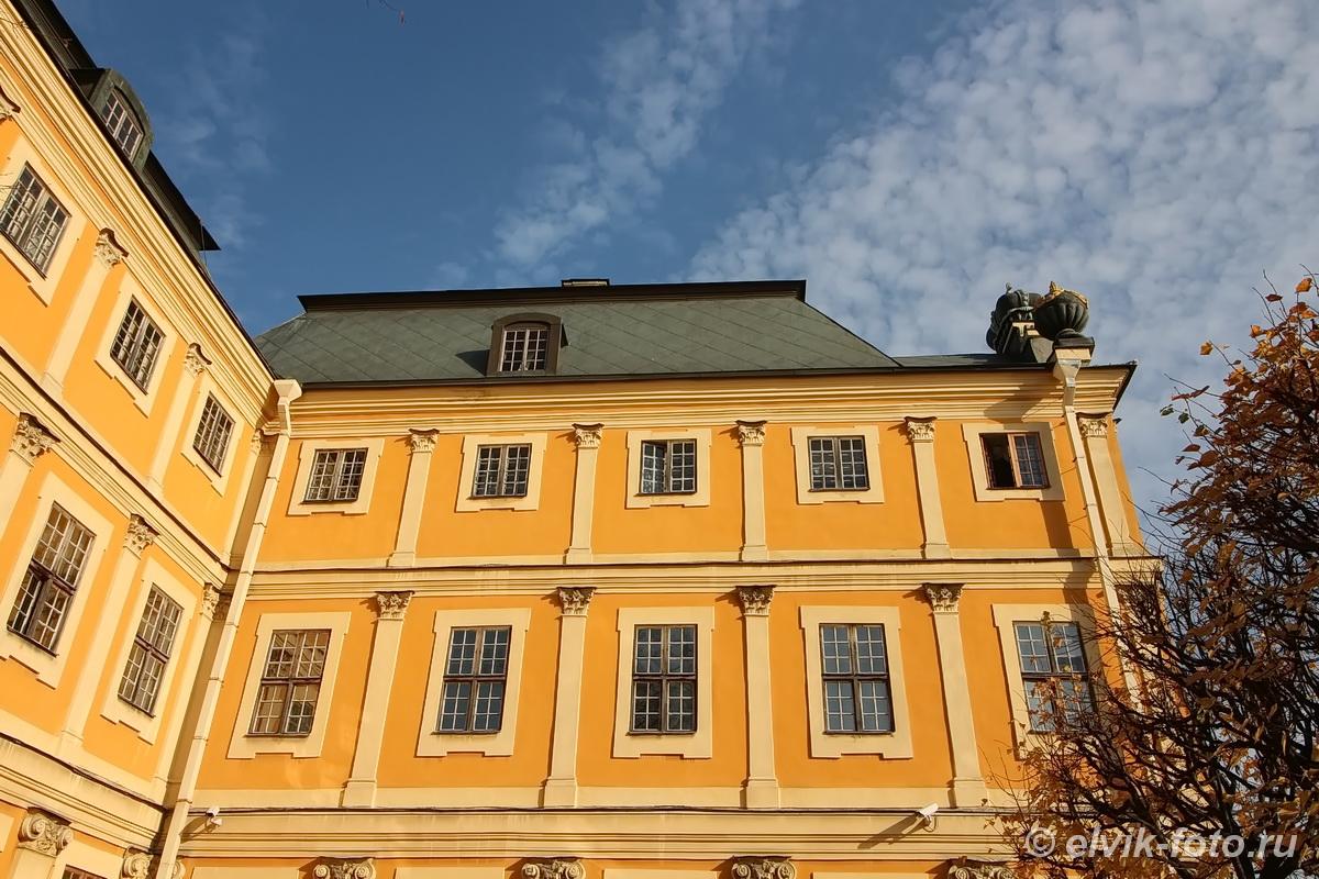 menshikov palace 81