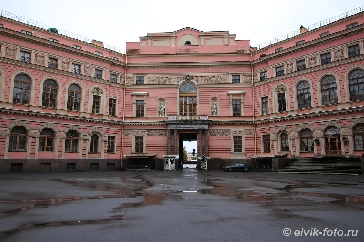Михайловский замок 36