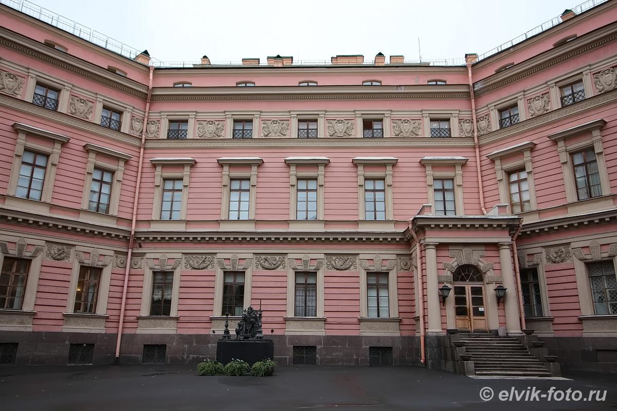 Михайловский замок 39